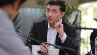 Photo of Зеленський підписав закон для захисту бізнесу від контролерів і бюрократів