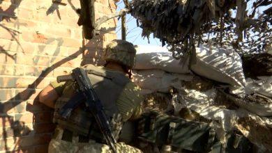 Photo of Потужні обстріли в Мар'їнці: від кулі снайпера загинула військова