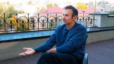 Photo of Вакарчук розповів, чому насправді не пішов у президенти