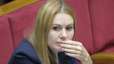 """Photo of Разумков офіційно оголосив про виключення Полякова, Скороход, а також Іванісова з фракції """"Слуга народу"""""""