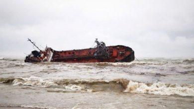 Photo of Аварія танкера Delfі: витік мазуту забруднив одеський пляж