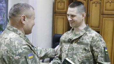 Photo of Обмін полоненими: звільненим військовим вручили нові документи
