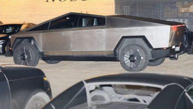 Photo of Ілон Маск і співачка Граймс каталися по Малібу в новій Tesla Cybertruck