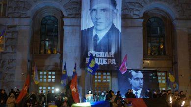 Photo of У Києві пройшла смолоскипна хода до дня народження Степана Бандери: фото і відео