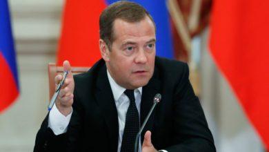 Photo of Медведєв пояснив, чому уряд Росії пішов у відставку