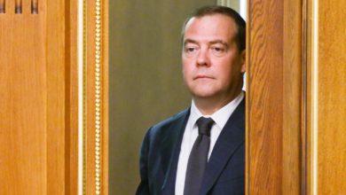 Photo of Медведєв визнав, що санкції через анексію Криму болісно вдарили по Росії