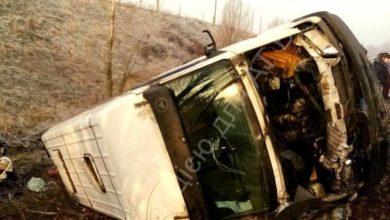 Photo of Під Києвом перекинулася маршрутка з пасажирами, є постраждалі
