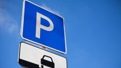 Photo of Паркування на площі біля Покровського храму стане платним