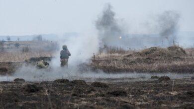 Photo of Обстріли на Донбасі: український військовий отримав поранення