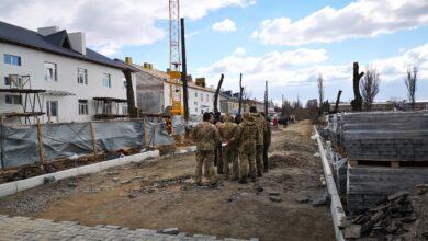 Photo of Сильний вітер пошкодив дах казарми в Миколаєві: Міноборони проведе службову перевірку