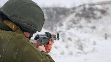 Photo of З'явилось відео обстрілу на Донбасі в районі Золотого і Новотошковського