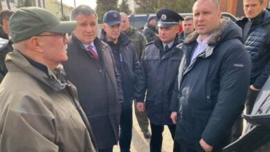 Photo of Кацман: Аваков зараз у Нових Санжарах, коментує і заспокоює, а до Скалецької ніхто не може додзвонитися