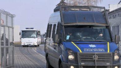 Photo of До санаторію Нові Санжари прибули 7 автобусів з евакуйованими з Китаю