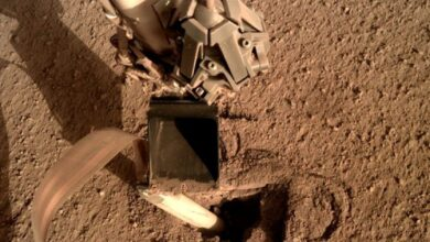 Photo of NASA полагодили апарат на Марсі, наказавши йому вдарити себе лопатою