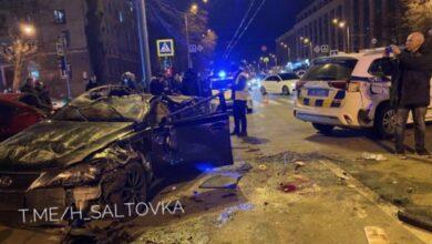 Photo of У Харкові Lexus протаранив авто копів та Mazda: фото, відео