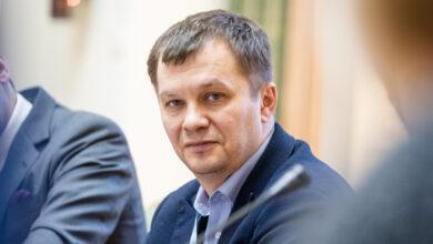 Photo of Милованов дав поради українцям, як втриматись на роботі під час кризи
