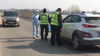 Photo of Поліція встановила блокпости на в'їзді в елітне селище Козин: відео