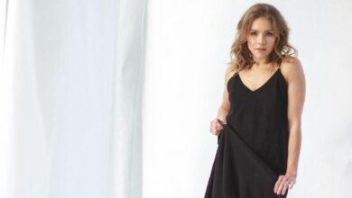 Photo of У мінісукні та на підборах: Олена Шоптенко похизувалася стрункими ногами у відвертому вбранні