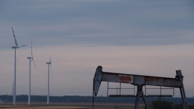 Photo of Ціни на нафту почали рости після рекордного падіння: коротко про ситуацію на ринку