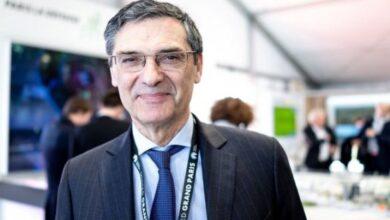 Photo of У Франції від коронавірусу помер екс-міністр промисловості Патрік Деведжян
