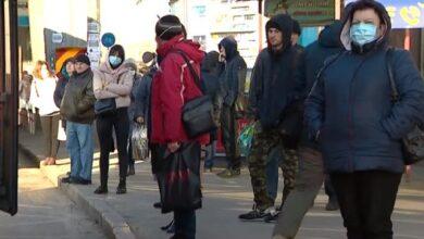Photo of Люди без масок та заповнені дитячі майданчики: як українці дотримуються карантину