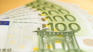 Photo of Долар дешевшає, а євро знову здорожчало: курс валют на 31 березня