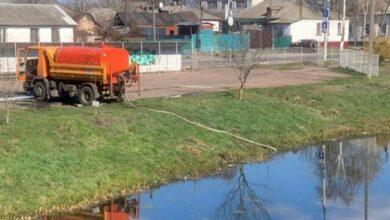 Photo of У Ніжині вулиці дезінфікують водою