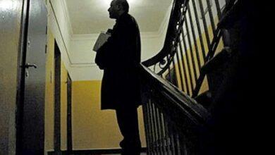 Photo of У Ніжині чоловік ходить по квартирах і збирає гроші на поховання