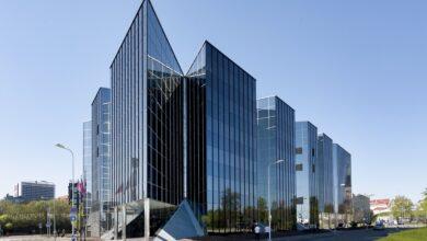 Photo of Офісна будівля стала безконтактною: усе через пандемію коронавірусу