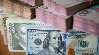 Photo of Готівковий курс валют 1 квітня: гривня другий день поспіль дорожчає