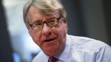 """Photo of Американський інвестор не радить купувати """"вірусні акції"""": що це означає"""