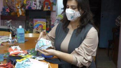 Photo of Тисяча масок за 2 тижні: у Харкові багатодітні мами допомагають боротися з COVID-19