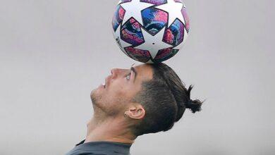Photo of Дівчина Роналду підстригла футболіста просто вдома під час карантину: відео