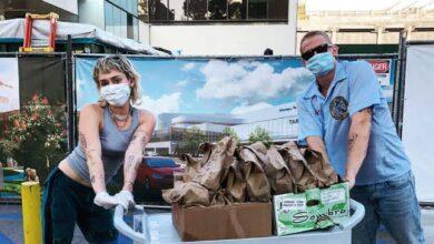 Photo of Майлі Сайрус із бойфрендом привезли безкоштовний обід лікарям в Лос-Анджелесі: фото