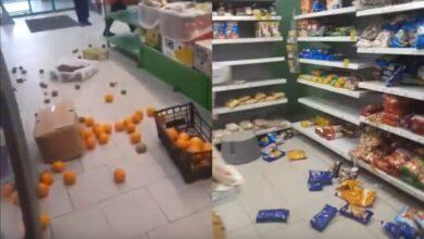Photo of У російському місті люди розтрощили магазин з продуктами: шокуюче відео