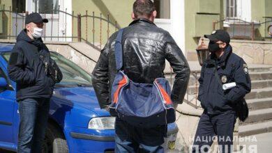 Photo of У Тернополі жінка не впустила додому чоловіка, який повернувся з Польщі