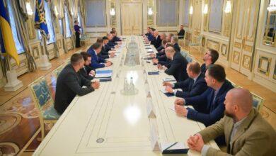 Photo of Просили допомогти, але не віддавали цілі регіони: у Зеленського пояснили співпрацю з олігархами