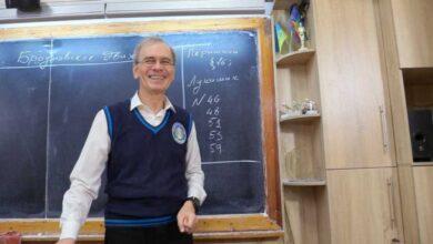 Photo of Одеський учитель отримав срібну кнопку YouTube за онлайн-уроки фізики
