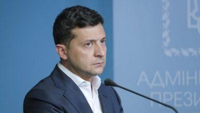 Photo of Зеленський: Жодних скорочень зарплат вчителів, стипендій студентам та видатків на наукову діяльність не буде
