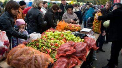 Photo of Продуктові ринки будуть жорсткіше контролювати через натовпи, які там збираються