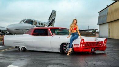 Photo of Щоб продати машину дорожче,сфотографуйте її з приватним літаком та білявкою