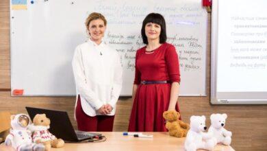 "Photo of Олена Зеленська взяла участь у зйомках телеуроку для проекту ""Всеукраїнська школа онлайн"""