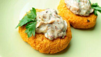Photo of Рецепт запечених овочевих котлет з картоплі та грибів