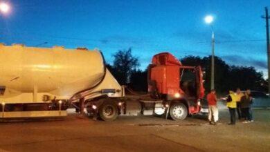 Photo of У Ніжині вантажівка з автоцистерною зіткнулася з ВАЗом