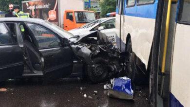 Photo of У Рівному легковик влетів у тролейбус – постраждало четверо осіб