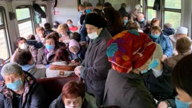 Photo of У масках, але в тисняві: як їдуть електрички з Києва на Ніжин