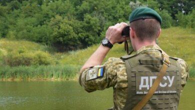 Photo of Ліз в Росію напівбосий: в ДПСУ показали відео з порушником кордону