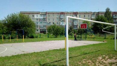 Photo of Спортивний майданчик по вулиці Амосова приводять до ладу
