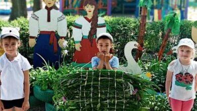 Photo of Як у ДНЗ №13 гобелени з літніх трав виготовляли. Фото