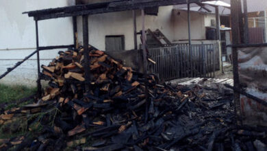 Photo of На Ніжинщині невідомий підпалив навіс для дров